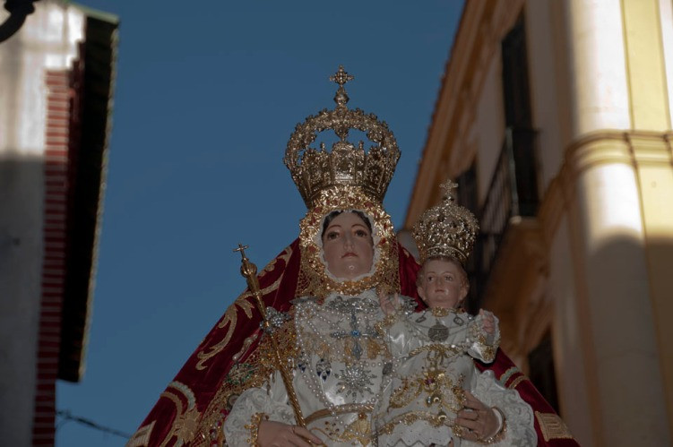 virg-ara-glorias-guerr-strachan_035