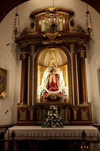 virgen-en-su-capilla